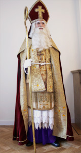 De Sint in vol ornaat
